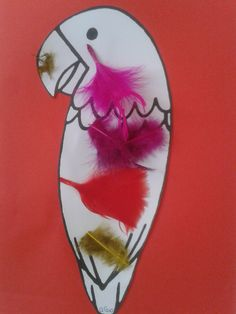 Parrot covered with feathers, Parrot covered with feathers. Thema Hawaii, Activities For Kids, Crafts For Kids, Programming For Kids, Craft Free, Preschool Art, Cool Kids, Most Beautiful Pictures, Parrot