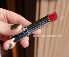 Il Beauty di Bi: Avon Rossetto Shine Attract....che SOLA! - http://ilbeautydibi.blogspot.it/2012/03/avon-rossetto-shine-attractche-sola.html