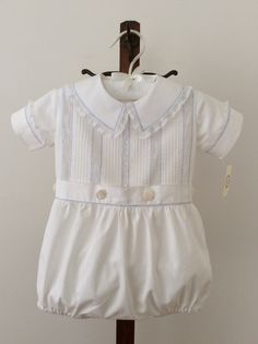 French hand sew bubble by Mela Wilson Heirloom Children's Clothing. - French hand sew bubble by Mela Wilson Heirloom Children's Clothing. Little Boy Outfits, Baby Boy Outfits, Kids Outfits, Boy Christening Outfit, Christening Gowns, Vintage Baby Boys, Blessing Dress, Heirloom Sewing, Baby Boy Fashion