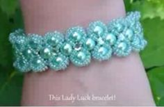 Find Lady Luck Bracelet Beading Tutorial by HoneyBeads (Photo tutorial) in the Jewelry Making Tutorials - Beadweaving - Thread - Bracelets category on DIY Lessons - Learn Jewelry Making With Online Lessons, Videos and PDF Tutorials Beaded Bracelet Patterns, Beading Patterns, Beaded Bracelets, Pearl Bracelet, Jewelry Making Tutorials, Beading Tutorials, Free Tutorials, Video Tutorials, Stud Earrings