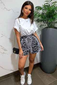 fc64250c47b9 59 Best High Waisted Shorts Outfit images