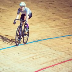 While it's freezing foggy outside you should try the track! Another moment of saturday ride at the @velodromo_montichiari with the @rapha_rcc! @xskillyx . #ridelikeagirl #womenscycling #girlpower #rapha #strongher #ladiesfirst #smithwomen #igerscycling #cycling #cyclingshots #velo #instadaily #me #radgirlslife #lifebeyondwalls #cyclinglife #takemoreadventures #lovecycling #bikegirl #outsideisfree #follow #ciclismo #girl #enjoyeverymile #clicknabike #cyclelikeagirl #picoftheday #socialgnock…