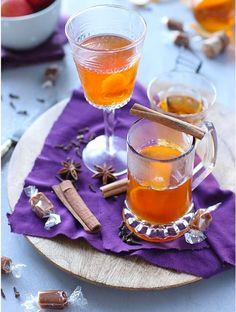 Les meilleures boissons chaudes de l'hiver boisson chaude au cidre caramel et épices