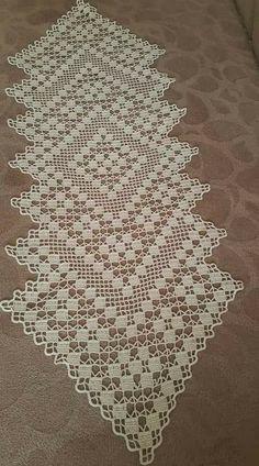 Free Patterns Archives - Beautiful Crochet Patterns and Knitting Patterns Crochet Dollies, Crochet Art, Crochet Home, Crochet Gifts, Free Crochet, Crochet Table Runner Pattern, Crochet Motif Patterns, Crochet Diagram, Knitting Patterns