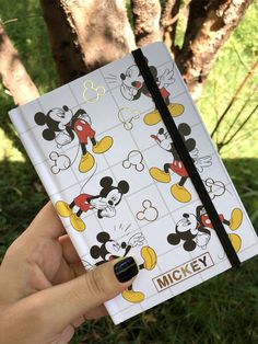 Bullet Journal Books, Bullet Journal School, Cool School Supplies, Vie Motivation, Stationary School, School Accessories, Cute Notebooks, Kawaii Stationery, Diy Hair Bows