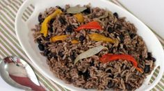 Congrí (moros y cristianos as they're also known) is a very popular dish in Cuba made up of rice with black or red beans. Its preparation has its tricky parts, but the trick to getting the rice to be nice and dark is simple. I was lucky enough to learn this from one of my Cuban friends and since then I have followed her instructions to the letter, while still adding my own personal touch.