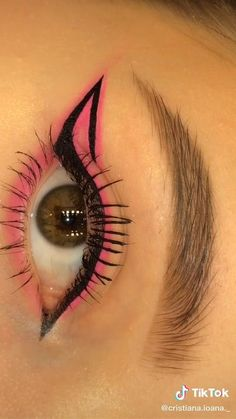 Edgy Makeup, Eye Makeup Art, Smokey Eye Makeup, Eyeshadow Makeup, Eye Brows, Pink Eyeliner, Pink Eye Makeup, Eyeliner Looks, Eye Art