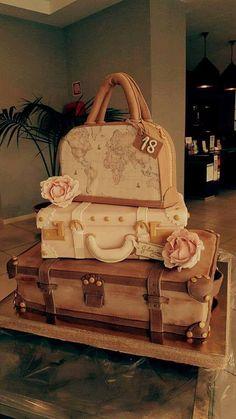 #luggage #cake #primaclasse