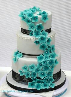 the flowers are a great thing to bring out the colors  Starting a Catering Business  Start your own catering business  http://www.startingacateringbusiness.com