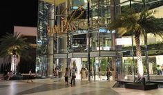 Siam Paragon Shopping Mall In Bangkok Editorial Stock Photo - Image of front, destination: 23864673 Wave Pool, Shopping Malls, Amazing Shopping, Bangkok, Street View, Around The Worlds, Ocean, Exterior, Stock Photos