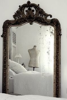 fairything:  (via Pin van igigi general store op SHADES OF WHITE - Pinterest)