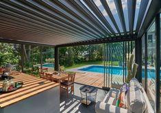 #medence #otthon #ötletek #maradjotthon #kert #terasz Outdoor Gardens, Garden Design, New Homes, Outdoor Structures, Exterior Decoration, Terrace Ideas, House Inspirations, Outdoor Decor, Modern
