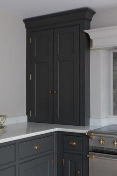 New Kitchen Cabinets Open Plan Kitchen Living Room, Kitchen Room Design, Home Decor Kitchen, Kitchen Interior, Country Kitchen, New Kitchen Cabinets, Kitchen Paint, Brown Kitchens, Kitchen Storage
