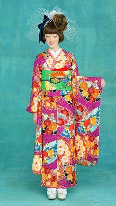 和装 Kimono Japan, Japanese Kimono, Oriental Dress, Oriental Fashion, Traditional Kimono, Traditional Dresses, Cute Kimonos, Modern Kimono, Kimono Design