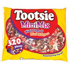 Tootsie Mini Mix offers an assortment of your favorite Tootsie treats, Pops and Midgees, in scaled down portions perfect for kids. Halloween School Treats, Halloween Trick Or Treat, Candy Themed Bedroom, Gourmet Jelly Beans, Chex Party Mix, Bulk Candy, Trick Or Treat Bags, Candy Bowl, Favorite Candy