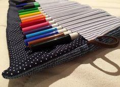 Estuches de tela - ESTUCHE ENROLLABLE PARA LAPICES - hecho a mano por Inleproject en DaWanda