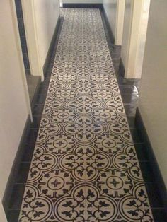 portugese vloertegel badkamer - Google zoeken Hall Tiles, Tiled Hallway, Best Flooring, Kitchen Flooring, Kitchen Backsplash, Marble Bathroom Floor, Tile Floor, Portuguese Tiles, Turkish Tiles