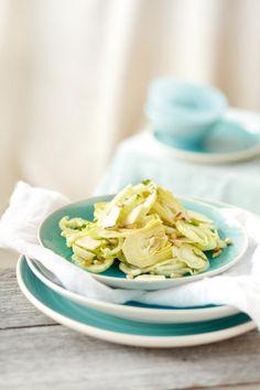 Σαλάτα+με+αγκιναράκια,+φινόκιο+και+γραβιέρα