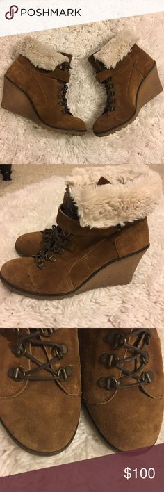 Gino Rossi Fur Suede Lace Up Ankle Wedge Booties Gino Rossi Shearling Cream White Fur Suede Lace Up Ankle Wedge Short Booties size 39 / 8 US. 3-3.5 wedge heel. Very comfortable and high quality. Excellent condition. 💐Bundle and get 20% off. gino rossi Shoes Ankle Boots & Booties