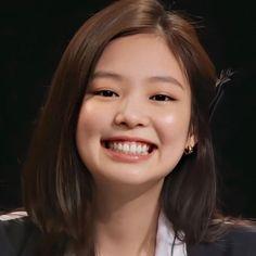 South Korean Girls, Korean Girl Groups, Human Bean, Bts Aesthetic Pictures, Jennie Blackpink, Korean Artist, Pink Love, Cool Photos, Kpop