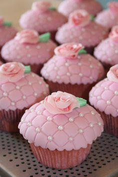 Cupcakes Ideen Rose 43 Ideas For 2019 Fondant Cupcakes, Fancy Cupcakes, Pretty Cupcakes, Beautiful Cupcakes, Yummy Cupcakes, Wedding Cupcakes, Cupcake Cookies, Valentine Cupcakes, Cupcake Toppers