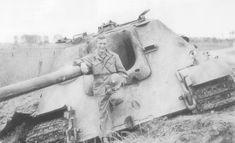 destroyed German tank destroyer 'Jagdpanther'