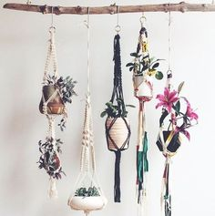 ¿Te llama esta idea de decoración de estilo boho chic?  En nuestro board puedes ver más ideas de decoración boho chic de todo tipo como: estilo hippie en la cocina, salón o tus habitaciones.  ✨  Have you seen this boho chic decoration idea?  Catch more boho chic decoration ideas in our board: DIY, for your home, furniture, kitchen, living room …  #interiordesign #decoraciondeinteriores #bohemian #bohodeco
