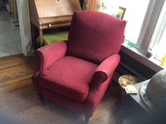 So cute and it reclines! Free. http://seattle.craigslist.org/see/zip/4952142449.html
