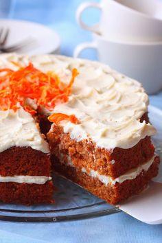 Porkkana tekee kakusta niin ihanan kostean, mehevän ja pehmeän. Tällä kertaa halusin laiskuuksissani ohjeen, jossa aineet vain sekoitetaan ...