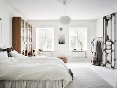 Dreamy Scandi condo to get you through Monday blues (Daily Dream Decor) Bedroom Wall Colors, Bedroom Sets, Home Bedroom, Bedroom Decor, Scandinavian Interior Bedroom, Le Double, Modern Bedroom Design, Dream Decor, Beautiful Bedrooms