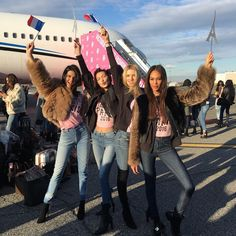 Kendall Jenner,  Gigi Hadid, Lily Donaldson and Joan Smalls ready to  board the Victoria's Secret Private Jet to Paris for the 2016 Victoria's Secret Fashion Show