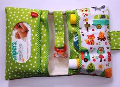 tips for choosing backpack diaper bags Sewing To Sell, Love Sewing, Sewing For Kids, Baby Sewing Projects, Sewing Hacks, Nappy Wallet, Diaper Bag Backpack, Diaper Bags, Baby Crafts