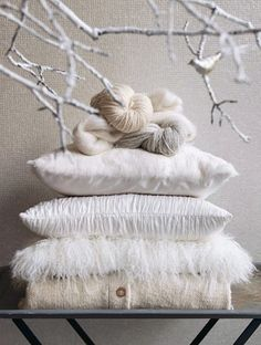 white pillows and wool winter styling Winter Wonderland, Shades Of White, Color Shades, White Pillows, White Linens, Fluffy Pillows, Back To Nature, Winter Christmas, Christmas Tree