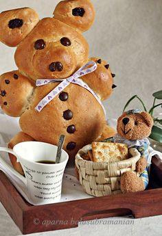 My Diverse Kitchen - Food & Photography From A Vegetarian Kitchen In India : When There Was A Bear In My Oven………. Bento, Cute Food, Good Food, Birthday Breakfast, Picnic Birthday, Teddy Bear Party, Food Art For Kids, Bread Shaping, Bread Art