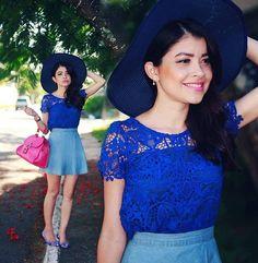 """Bonjour gatonas!!! """"Bora"""" de look com cores lindas hoje? No blog já! Blogdaleoliveira.com Top @mfibramodas saia @sheinside_official Fotos @bateracruz #blogdaleoliveira #ootd #stylesubmit #beautiful"""