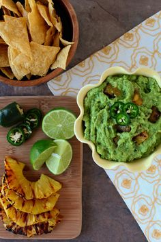 ANNIE'S EATS | GRILLED PINEAPPLE GUACAMOLE RECIPE