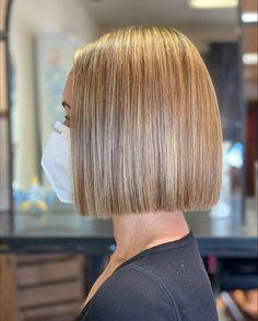 Haircuts Straight Hair, Bob Hairstyles For Thick, Short Bob Haircuts, Straight Hair Bob, Cool Hairstyles, Natural Hair Care, Natural Hair Styles, Short Hair Styles, Sleek Bob