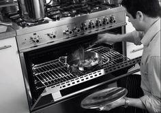 Fogão X122 GMFE X em inox escovado, com 6 queimadores, grill de mesa, forno duplo ambos elétricos com TURBO e churrasqueiras, 121,6 cm X 64 cm (LxP). - Novos queimadores profissionais em latão com amplas variações de potência. - Trempes da mesa em ferro gusa esmaltado extra robusto. #LIEBHERR #FOGAO #COZINHA