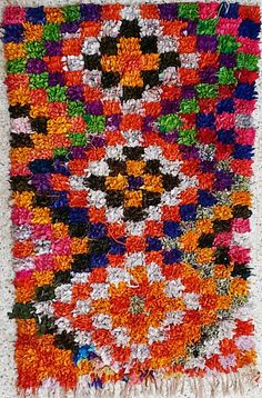T16342 Vintage Boucherouite Teppich, Wandkunst, marokkanische Teppiche, Flickenteppich, Berber Stammeskunst, Marokko Teppiche