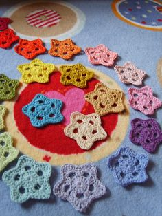 Ravelry: the8thgem's CHRISTMAS STARS... This is a personal free pattern for a star and how to make it into a snowflake! Thanks for sharing!!