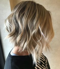 18 long graduated bob hairstyles - Hairstyles For All Graduated Bob Hairstyles, Wavy Bob Hairstyles, Pretty Hairstyles, Medium Hairstyles, Braided Hairstyles, Wedding Hairstyles, Bob Styles, Short Hair Styles, Bronde Bob
