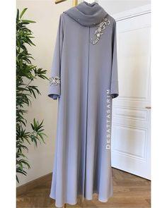 Abaya Designs, New Abaya Design, Niqab Fashion, Muslim Fashion, Fashion Wear, Fashion Dresses, Abaya Style, Hijab Style, Mode Niqab