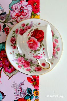 Madelief - vintage tea coffee cup giveaway