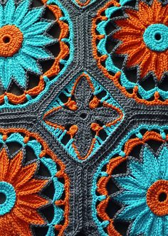 Joleen_Kraft_Crocheted_Daisy_Afghan_02-- don't know if pattern is here- just like the colors  :-)