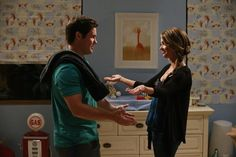 A Haley & Andy 'Modern Family' Relationship Would Bring a Much Needed Change of Pace to the Show