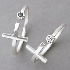 CZ Sideways Cross Wrap Ring Sterling Silver CZ Sideways Cross Ring Sterling Silver from – side cross ring, wrap around ring, cross silver ring Rose Gold Engagement Ring, Diamond Wedding Rings, Vintage Engagement Rings, Bridal Ring Sets, Bridal Jewelry Sets, Deco Floral, Thumb Rings, Wrap, Princesses