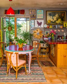 The Most Maximalist Bohemian Home Just Might Be on This Farm in Colorado – Kitchen Inspiration – Kitchen Ideas Hippie Kitchen, Boho Kitchen, Kitchen Decor, Home Interior, Interior Design, Bohemian Decor, Decoration, Home Deco, Home Kitchens