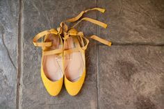 Yellow flats - love the tie Look at this site for some cute ideas Yellow Wedding Shoes, Yellow Weddings, Simple Weddings, Love Fashion, Fashion Shoes, Yellow Flats, Creative Hairstyles, My Favorite Image, Wedding Bridesmaids