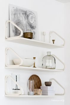 Artek – and shelves – design Alvar Aalto Decor, House Interior, Home Decor Furniture, Decor Inspiration, Home, Interior, Shelves, Interior Styling, Artek