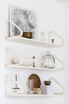 Artek 112b shelves in white from Alvar Aalto